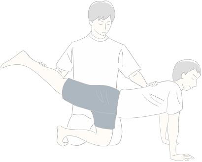 トレーナーにサポートして貰うことで正確にトレーニングができている様子を描いたイラスト